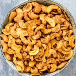 Spicy Maple Cashews, On The Move Organics